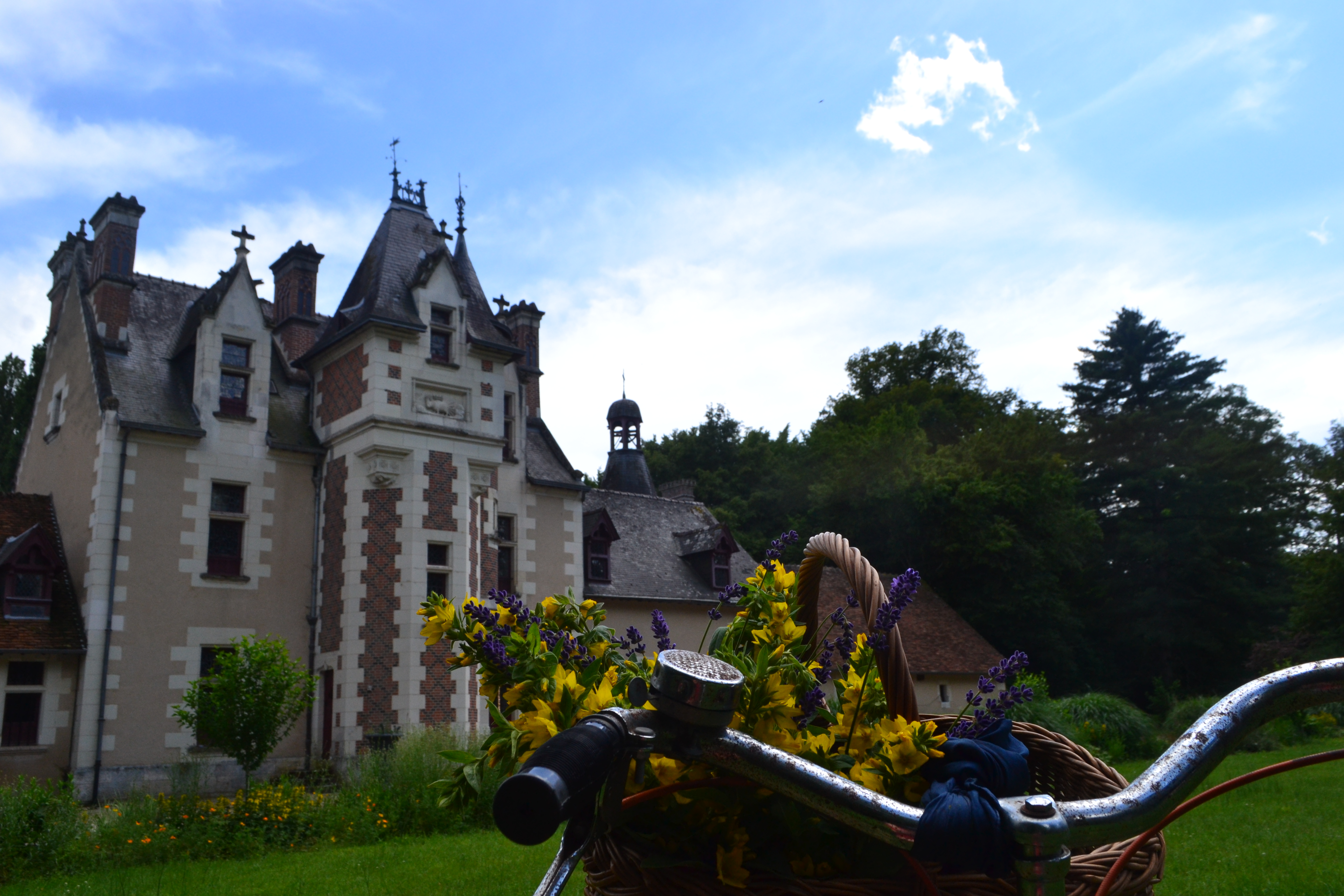 Add chateau de Troussay to your cycling tour of the Loire Valley